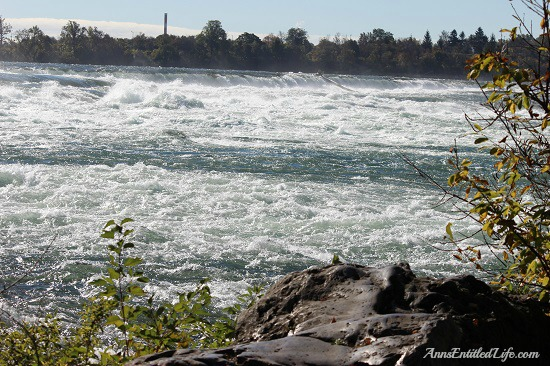 Niagara Falls, Goat Island and Three Sisters Islands