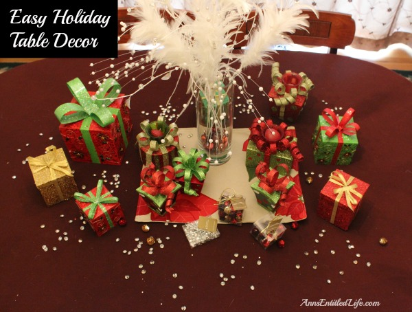 Easy Holiday Table Decoration Idea