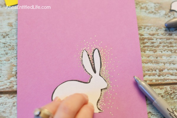 Spring Themed DIY Framed Dot Art. This super cute spring themed dot art is very easy to do. Adults and older children will be thrilled with the outcome of an hour long art project.  Use this art project for Easter decor, spring decor, or to give away as a gift.