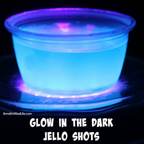 Glow in the Dark Jello Shots Recipe. This Glow in the Dark jello shots ...