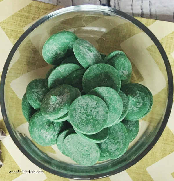 Easy Shamrock Candy Suckers Recipe. These easy to make shamrock candy suckers will be a huge hit at your St Patrick's day get-together. They taste great, come together in seconds, and are perfect for gifts or a special treat.
