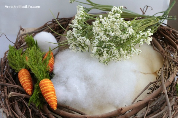 Easy DIY Bunny Butt Wreath. Bunny bottoms are adorable crafts. This cute, simple to make, bunny butt wreath is an inexpensive to make spring craft, perfect decor for your door, over your fireplace or on a wall.