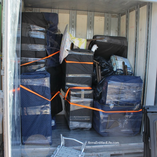 How to Pack and Move Yourself Using a Moving Container Service. This is how we moved ourselves long distance from Florida to New York State using a moving container service!