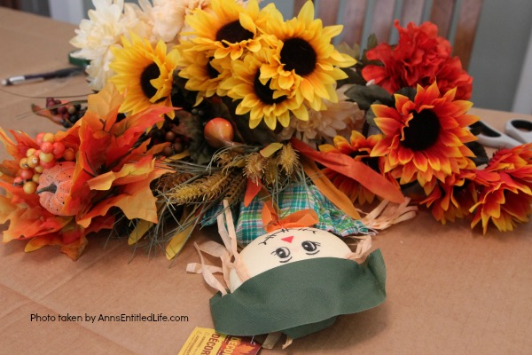 Dollar Store Craft: Fall Centerpiece. A fun, easy to make fall craft you can make with basics found at your local dollar store. If you are looking for an inexpensive, yet beautiful craft, you can make it in about 45 minutes with these step-by-step instructions.
