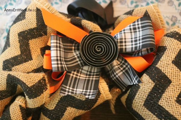 Halloween Burlap Wreath DIY. An easy to make Halloween wreath perfect to display over your fireplace, or on your front door.