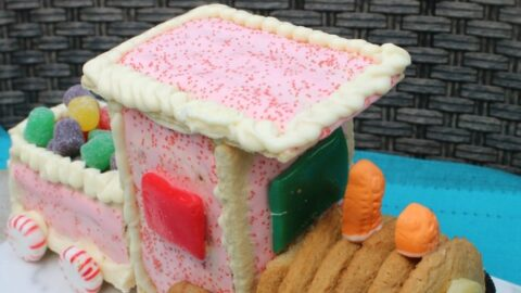 How to Make a Toaster Pastry Christmas Train