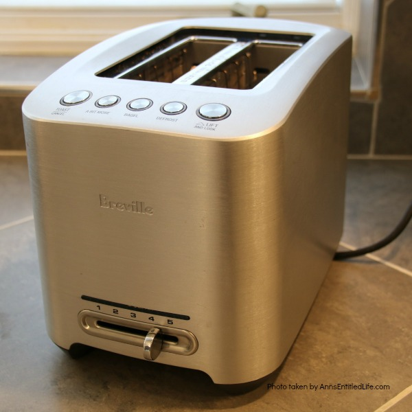 2 slot stainless steel toaster