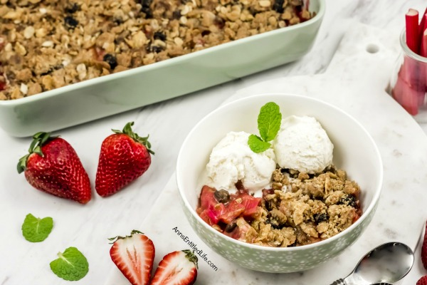 Strawberry Rhubarb Crisp. This amazing strawberry rhubarb dessert is a sweet-tart Strawberry Rhubarb Crisp Recipe that is not only fast and easy to make, but delicious as well.