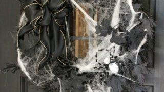 DIY Spooky Spider Halloween Wreath