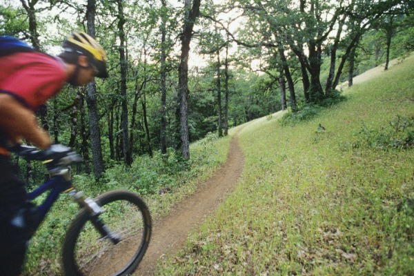10 Best Bicycle Outings in New York State. Whether it is a bicycle built for two or a mountain bike ready for some off-road action, New York State offers bicyclists thousands of miles of paths and trails for people to explore. Regardless of your biking interests, from recreational to hardcore exercise or competitive, New York has the trail for you. As you venture off this summer on your trails, please ensure you dress safely and wear the proper gear. Safe cycling.