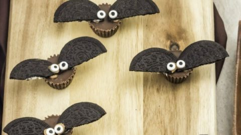 Easy Halloween Bats Candy Treats