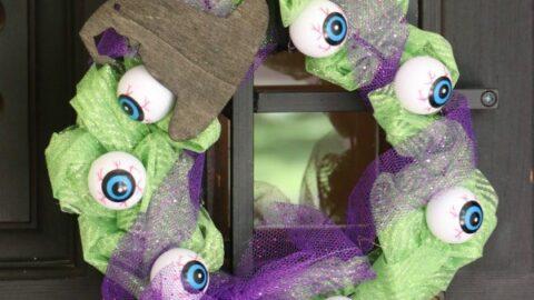Mini Halloween Eyeball Wreath