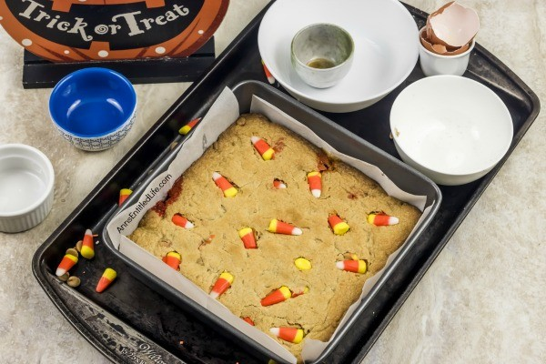 Peanut Butter Candy Corn Blondies Bars Recipe. These fun and easy to make Peanut Butter Candy Corn Blondies are the perfect treat for fall. These delicious little bars transport well, are great in lunch boxes, as an after-dinner dessert, or a late-night snack. Make these terrific Peanut Butter Candy Corn Blondies Bars today; your family will thank you!