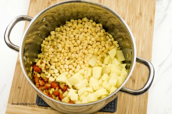 Easy Corn Chowder Recipe. A slightly sweet, slightly spicy corn chowder that is easy to make and simply delicious. Use frozen corn to make this fabulous corn chowder recipe any time of the year!