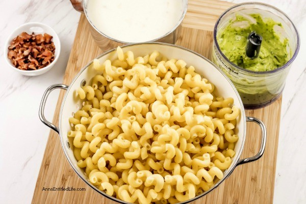 Avocado Mac and Cheese Recipe. The rich, buttery taste of avocado combined with the subtle zest of pepper jack cheese and creamy pasta form a terrific avocado macaroni and cheese recipe. Perfect for lunch or dinner, if you like avocado, you will love this delicious avocado mac and cheese recipe.