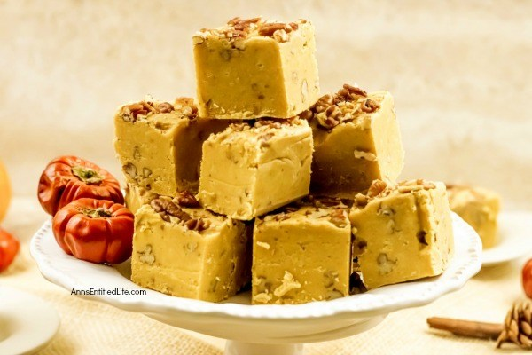 Pumpkin Pie Fudge Recipe. This is a sweet, creamy, delicious fudge that tastes just like pumpkin pie! This easy to make pumpkin pie fudge recipe contains pecans, marshmallow, and pumpkin puree; everything that makes your homemade pumpkin pie taste great can be found in this terrific fudge recipe.