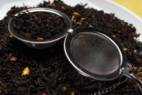 Types of Tea and Their Health Benefits. A listing of common teas, herbal teas, and the potential health benefits of tea, as well as the differences in benefits offered by each different type of tea. People all over the world enjoy a good cup of tea. See why tea drinking is more than just for breakfast. It can really aid your health and well-being!